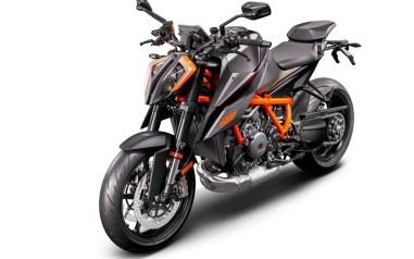 2020-KTM-1290-Super-Duke-R-04