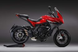 2020-MV-Agusta-Turismo-Veloce-800-Rosso-04