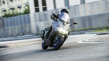 2020-Yamaha-TMAX-560-scooter-15