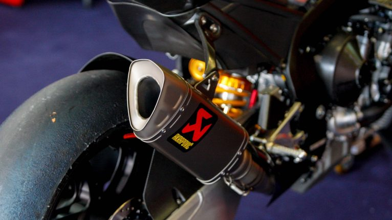 Akrapovic looks good on anything.