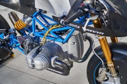 Scott-Kolb-BMW-race-bike-Gregor-Halenda-14