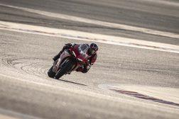 2020-Ducati-Panigale-V4-S-07