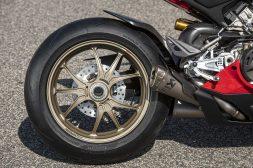 2020-Ducati-Panigale-V4-S-111