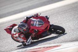 2020-Ducati-Panigale-V4-S-13