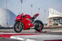 2020-Ducati-Panigale-V4-S-54