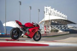 2020-Ducati-Panigale-V4-S-64