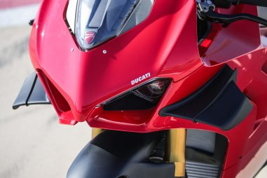 2020-Ducati-Panigale-V4-S-73