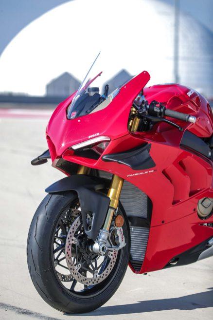 2020-Ducati-Panigale-V4-S-81