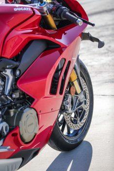 2020-Ducati-Panigale-V4-S-83