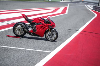 2020-Ducati-Panigale-V4-S-94