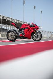 2020-Ducati-Panigale-V4-S-97