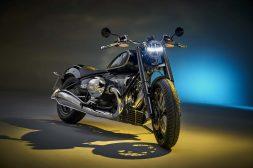 2020-BMW-R18-studio-08