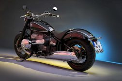 2020-BMW-R18-studio-16