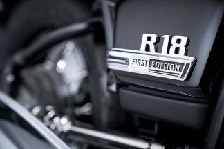 2020-BMW-R18-studio-41