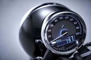 2020-BMW-R18-studio-46