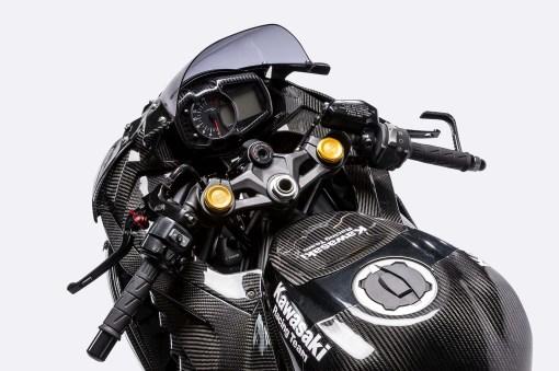 Kawasaki-Ninja-ZX-25R-carbon-fiber-race-bike-20