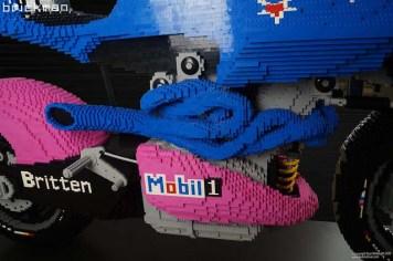 Lego-Britten-V1000-The-Brickman-01