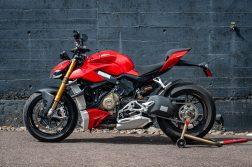2020-Ducati-Streetfighter-V4-S-Jensen-Beeler-01