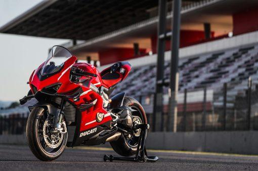 2020-Ducati-Superleggera-V4-07