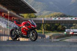 2020-Ducati-Superleggera-V4-21
