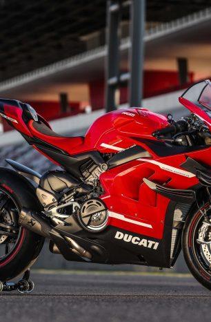 XXX: Too Many Hi-Res Photos of the Ducati Superleggera V4
