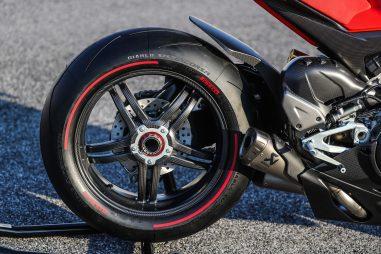 2020-Ducati-Superleggera-V4-43