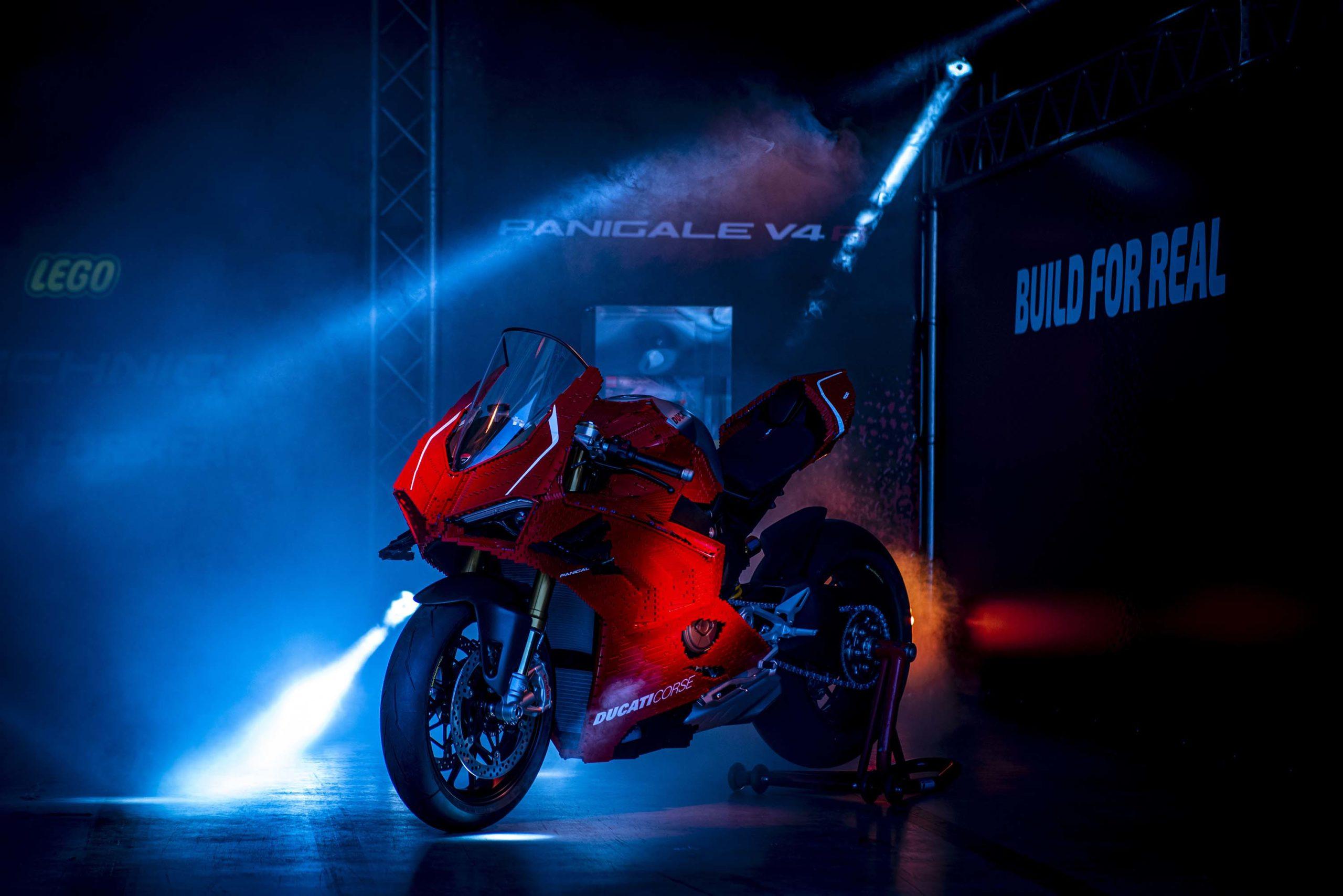 Ducati-Panigale-V4-R-lego-build-12