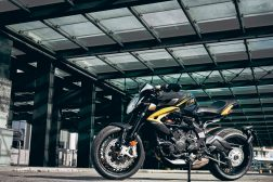 2021-MV-Agusta-Dragster-800-RC-SCS-17