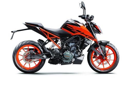 2020-KTM-200-Duke-USA-01
