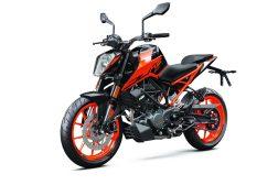 2020-KTM-200-Duke-USA-02