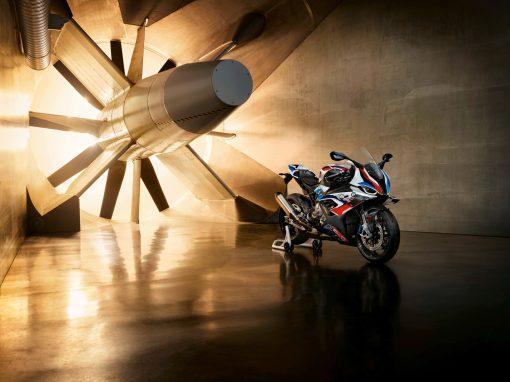 2021-BMW-M1000RR-superbike-25