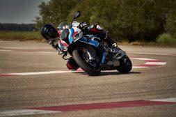 2021-BMW-M1000RR-superbike-53