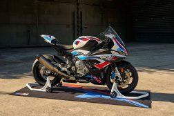 2021-BMW-M1000RR-superbike-57