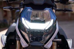 2021-BMW-S1000R-25