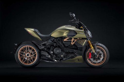2021-Ducati-Diavel-1260-Lamborghini-03