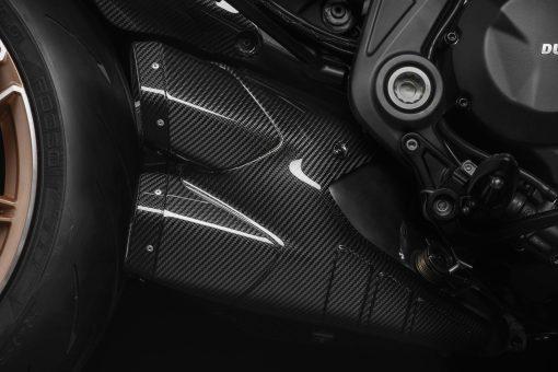 2021-Ducati-Diavel-1260-Lamborghini-22