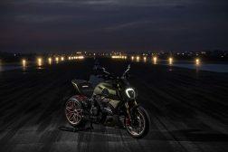 2021-Ducati-Diavel-1260-Lamborghini-58