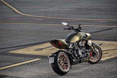 2021-Ducati-Diavel-1260-Lamborghini-79