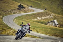 2021-Ducati-Multistrada-V4-S-02