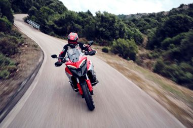 2021-Ducati-Multistrada-V4-S-11