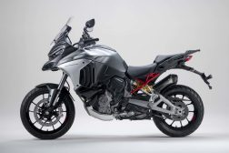 2021-Ducati-Multistrada-V4-S-42