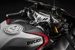 2021-Ducati-Panigale-V4-SP-09