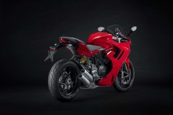 2021-Ducati-SuperSport-950-02