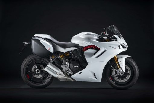 2021-Ducati-SuperSport-950-S-20