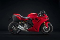 2021-Ducati-SuperSport-950-S-22
