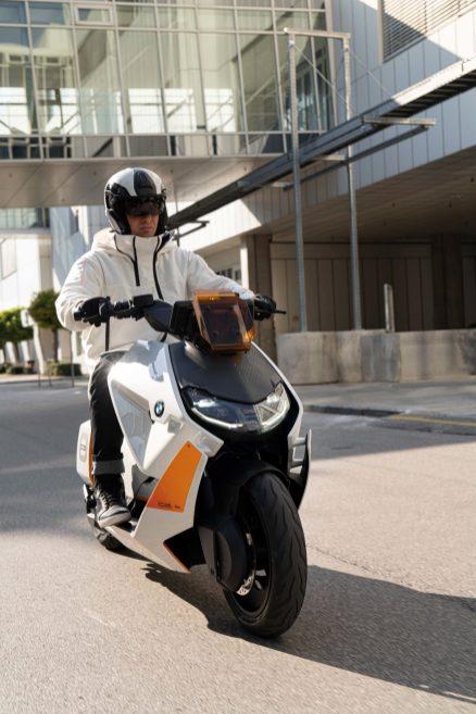 BMW-Motorrad-Definition-CE-04-16