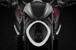 2021-Ducati-Monster-Plus-06