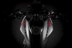 2021-Ducati-Monster-Plus-07