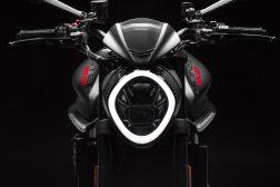 2021-Ducati-Monster-Plus-41
