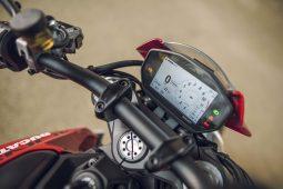 2021-Ducati-Monster-Plus-52